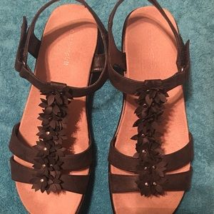 Black Sandals, EASY SPIRIT